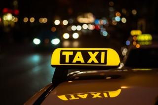 Avondklok nekslag voor taxichauffeurs: